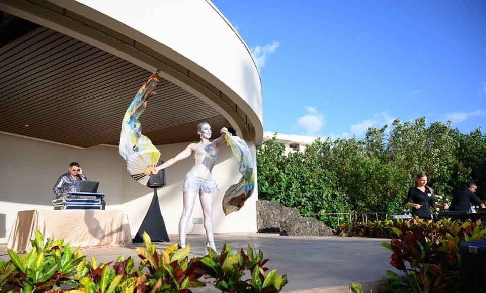 Bodypaint Performer Fan Dancer Maui Hawaii