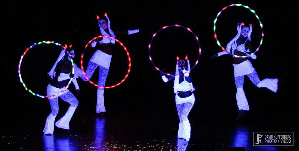 uv glow show performers