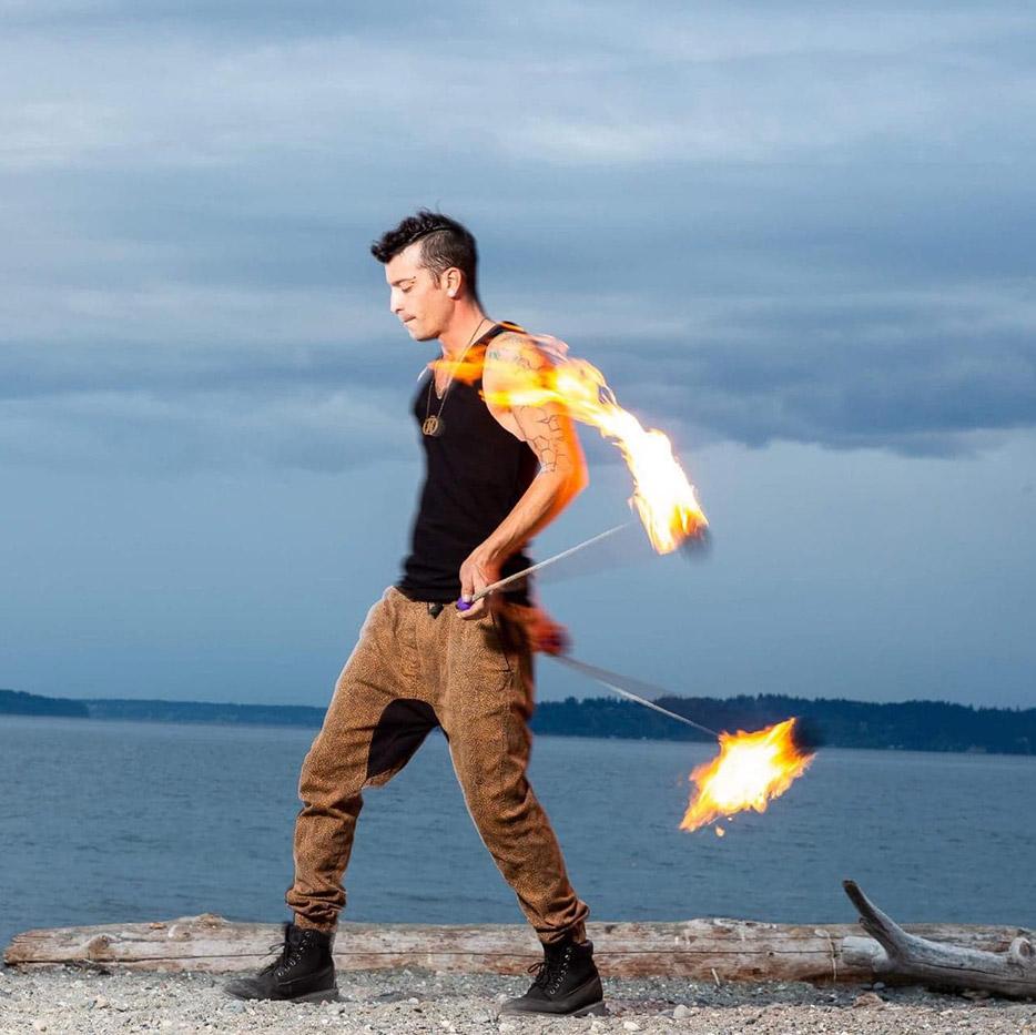 maui fire dancing