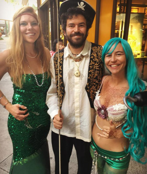maui mermaids and pirate