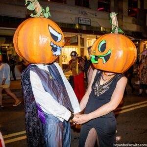 pumpkin head couple maui hawaii